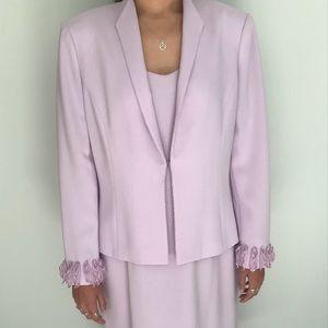 Albert Nikon sleeveless lavender dress suit